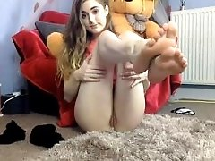 teen princesslexi__ squirting on...