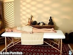 xhamster TrickySpa Masseur Gets Blown by...