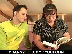 Bookworm mature gets her fat...