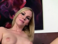 Blondie loves playing with dick